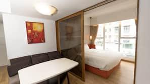 1 間臥室、房內夾萬、熨斗/熨衫板、摺床/加床 (收費)
