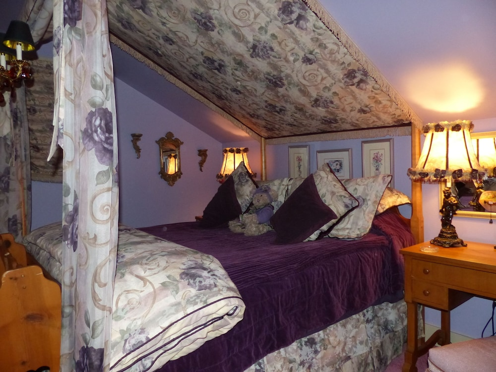 Featured Image, CLAIR'S BOUTIQUE HOTEL - LADNER