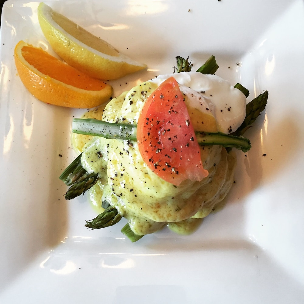 Breakfast Meal, CLAIR'S BOUTIQUE HOTEL - LADNER