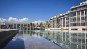 12 piscinas al aire libre