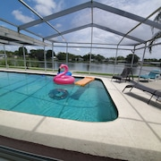 Newly Renovated Pool and Lake Dream Home