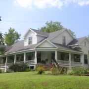 Located on Shawnee Hills Wine Trail, Close to Giant City State Park, Siu-c