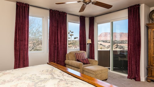 Entrada / Snow Canyon 3 Bett / 3 BAD - Pool / Whirlpool - Gated Comm. -