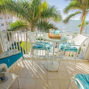 Continental Club-lovely 6th Flr. Beach Front Condo-enjoy Panoramic Gulf Views & Amazing Sunsets!