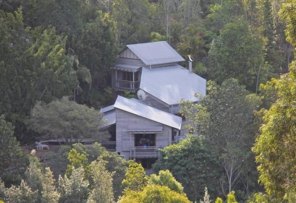 Tyraman Retreat – Unique Mountain Getaway for Large Groups in the Hunter Valley