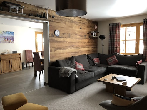 Spacious Ski-in/ski-out 4 Bedroom, 4 Bathroom Apartment With Free Wifi