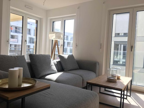 New 4-room Apartment 16min-munich Central Station