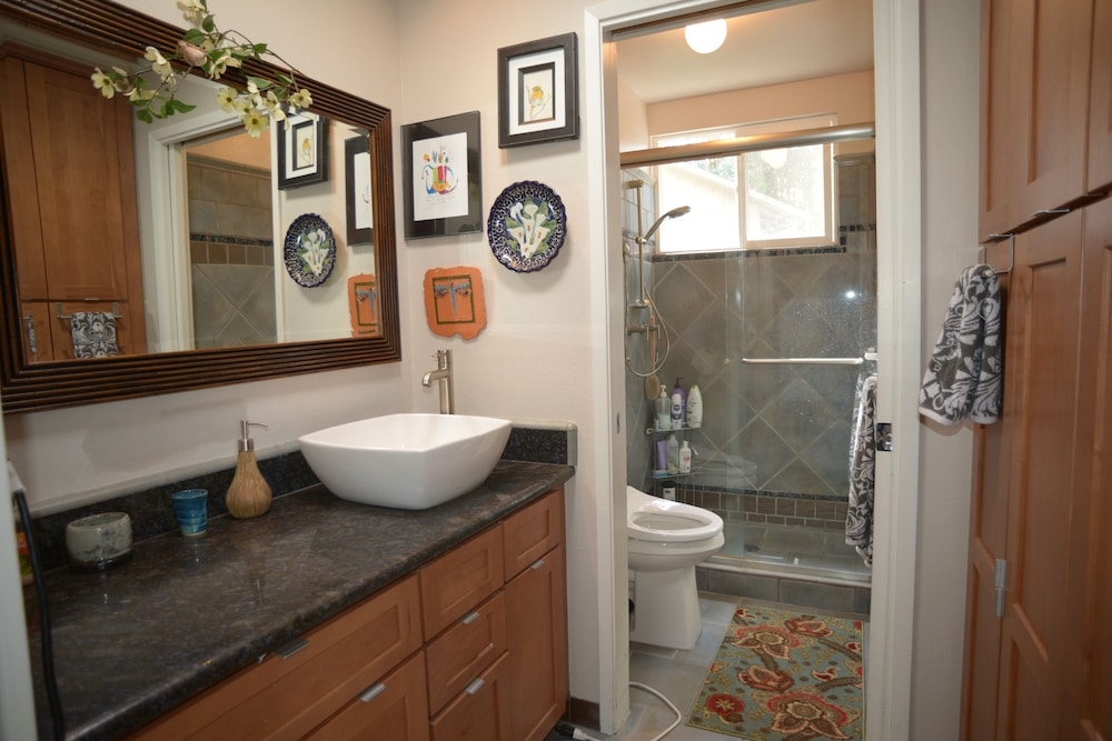Featured Image Bathroom