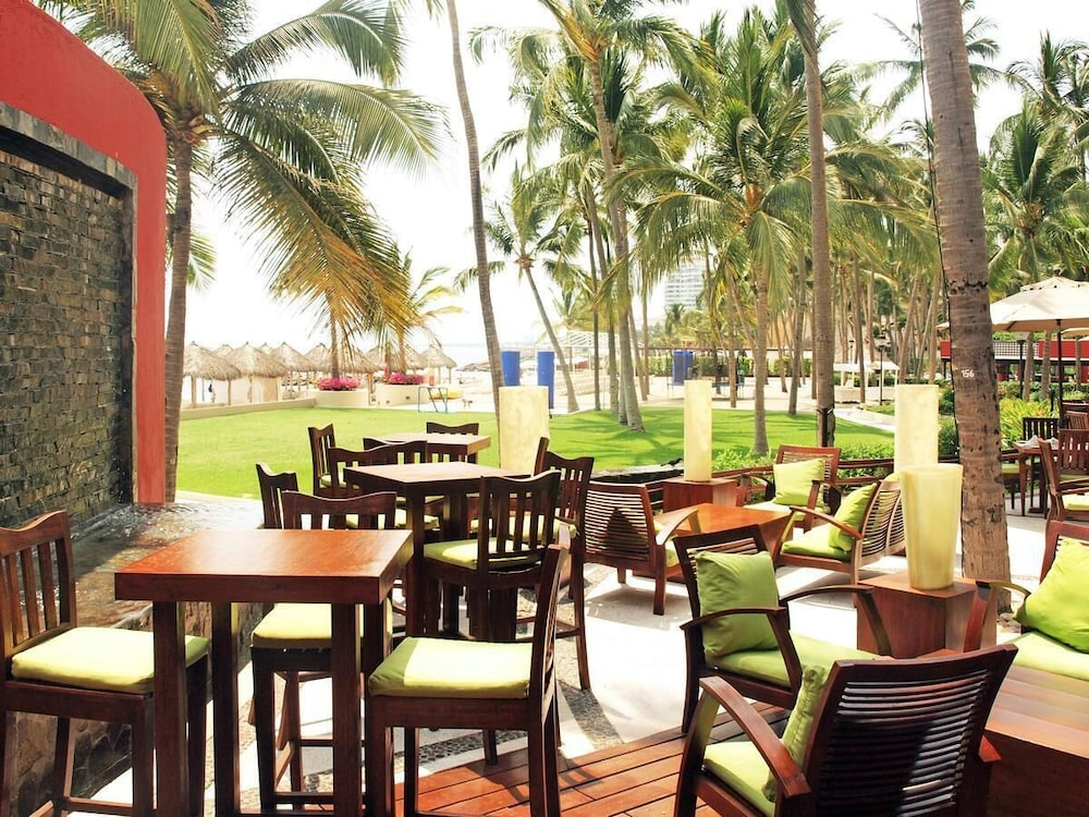Restaurant, Club Regina Puerto Vallarta With Great Views and Right on the Beach