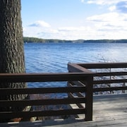 Sandy Beach & Privacy & Canoe At Waters Edge