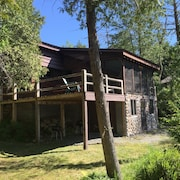 Book now for Summer! Lakefront Adirondack Cabin With Deck, Dock and Great Views