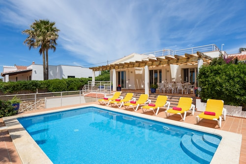 Ideal Large Families, Facing the sea and a few Meters From the Beach of Binibeca