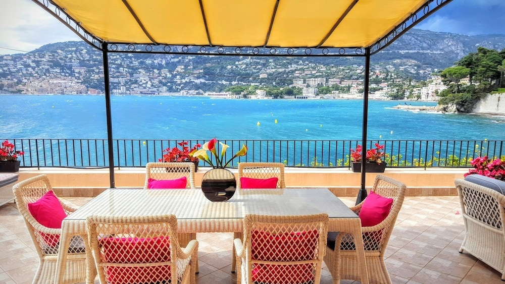 Featured Image, 1 Bdrm apt + 100m² Private Terrace on the sea Bay of Cap Ferrat