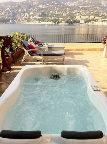 Spa, 1 Bdrm apt + 100m² Private Terrace on the sea Bay of Cap Ferrat