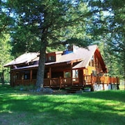 2/2 Cabin In The Mountains With Beautiful Scenery & Wraparound Deck