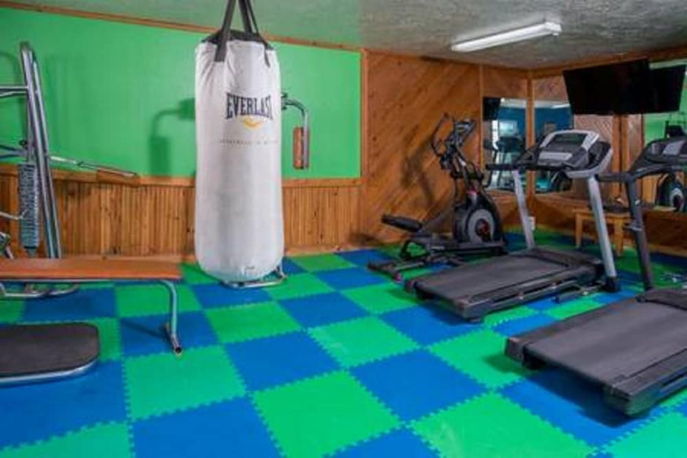 Fitness Facility, Chalet Living At It's Best!