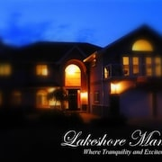 Lakefront Luxury! 8 Bedrooms, Hot Tub & Games Room! Spring 2020 Specials!