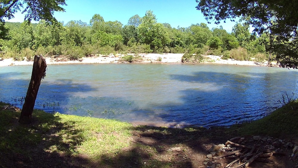 Beach, Caddo River Crossing Cabin E - River View and Acccess