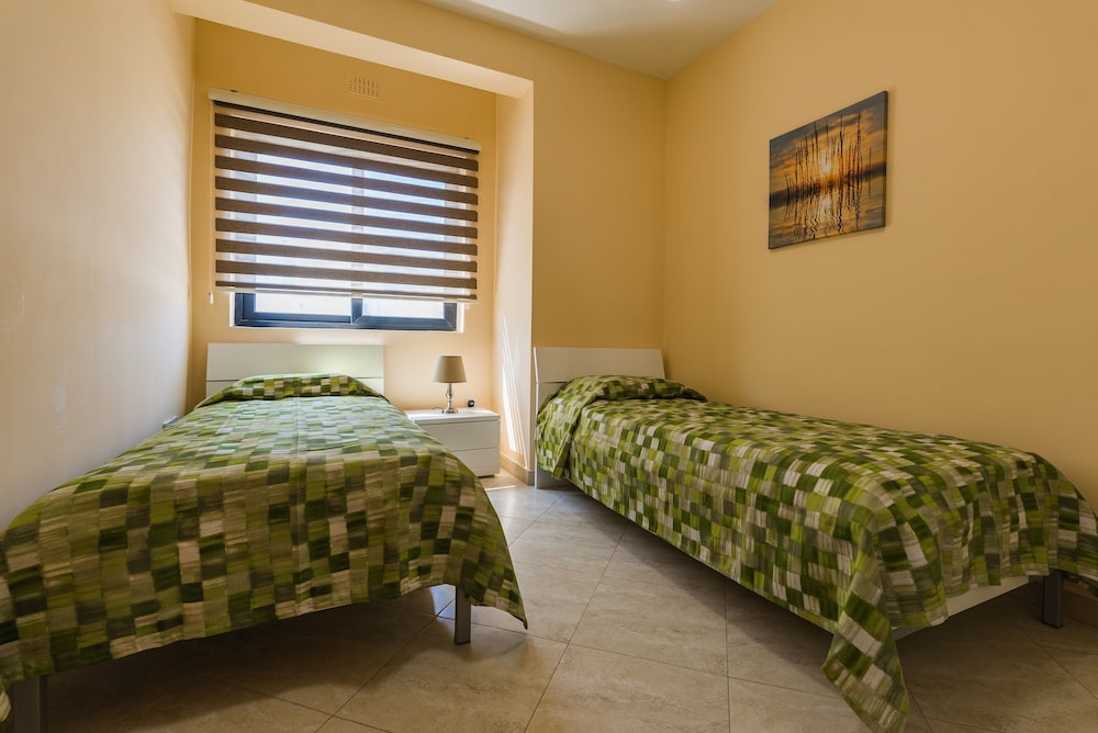 Room, Msida two-bedroom apartment