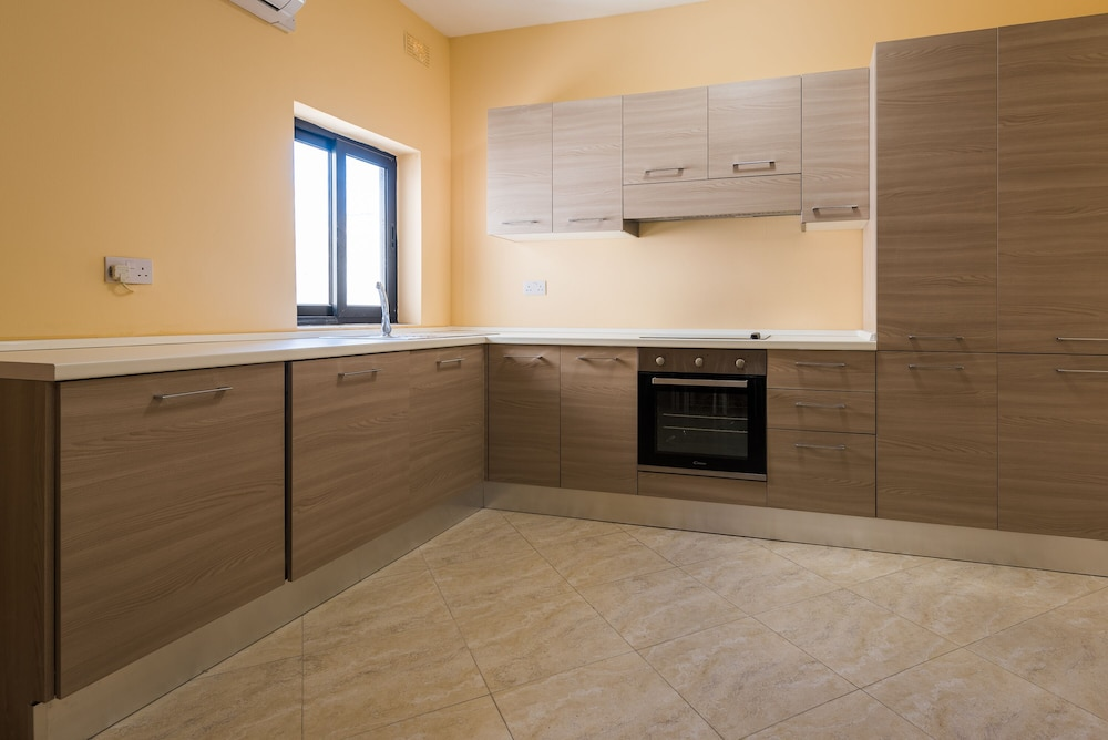 Private Kitchen, Msida two-bedroom apartment