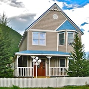 Mountain Getaway in Silverton - Quiet Neighborhood - Walking Distance To Town
