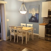 Completely Renovated 1-bedroom Unit on the Beach!
