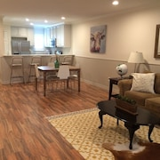 Central Renovated Townhome - 10 min From Downtown/galleria/medcenter/nrg Stadium