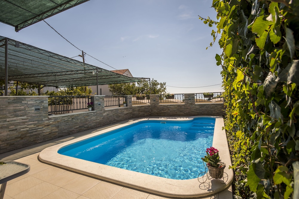 Holiday House With Private Outdoor Swimming Pool, Family ...