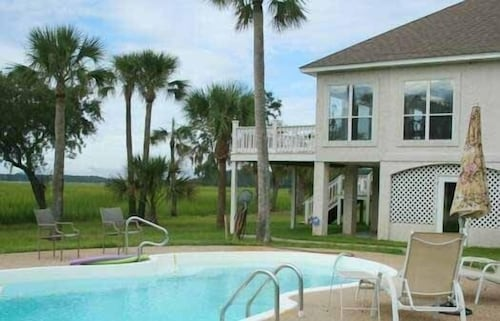 Water/marsh Front Home With Private Saltwater Pool