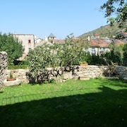L'oustalou: House Located 18 km From Millau in the Village of St Rome de Tarn
