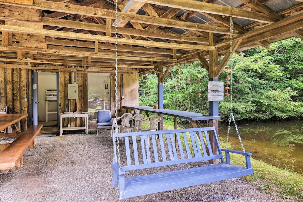 Property Grounds, Private Pet-friendly Castlewood Cabin W/pond Views