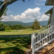 Relax in the Beautiful South River Valley Just Minutes From Wineries,