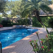 Great Location! Single Level Entire Mcallen Home With Private Swimming Pool