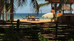 Ubicación a pie de playa y masajes en la playa