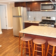 New Remodeled Modern 2BR Suite for 4