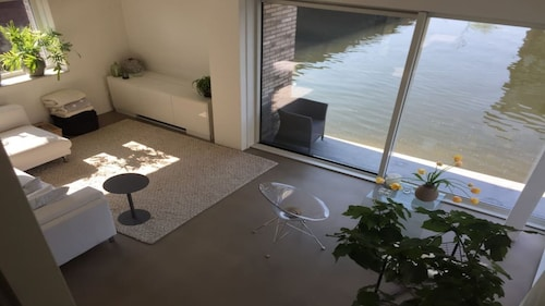 Water Villa, Private Parking, Close to City Center Amsterdam