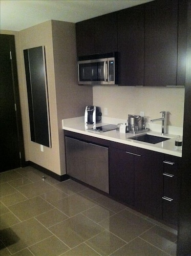 Private Kitchen, Vdara Hotel -junior Luxury Suite on the Strip - Free Parking & No Resort Fees