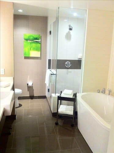Bathroom, Vdara Hotel -junior Luxury Suite on the Strip - Free Parking & No Resort Fees