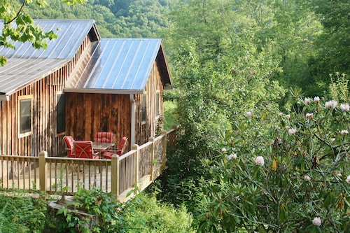 Rustic Updated Cabin in the Heart of the Appalachian High Country