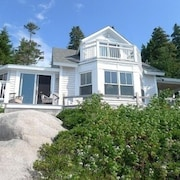 Secluded Stonington, Maine Cottage gem With Rockefeller View of Penobscot Bay