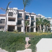 Luxurious 2 Bed Penthouse Apartment, Huge Roof Terrace, Ph1, Roda Golf Resort