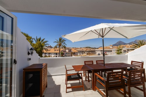 Sunny Penthouse With 2 Terraces and Pool Overlooking the old Town of Altea