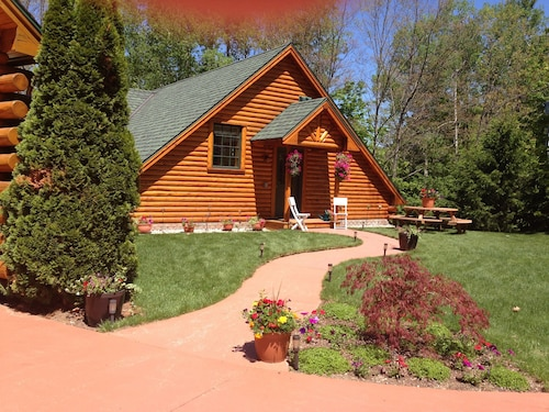 All Seasons Log Cabin Rental