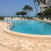 Coveted Naples Continental Club - Direct Beachfront Access From the Pool Deck