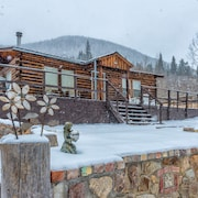 Zuni Log Cabin Vacation Rental