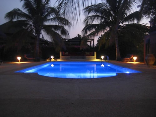 Villa With 3 Bedrooms in Nianing, With Private Pool, Enclosed Garden and Wifi - 500 m From the Beach