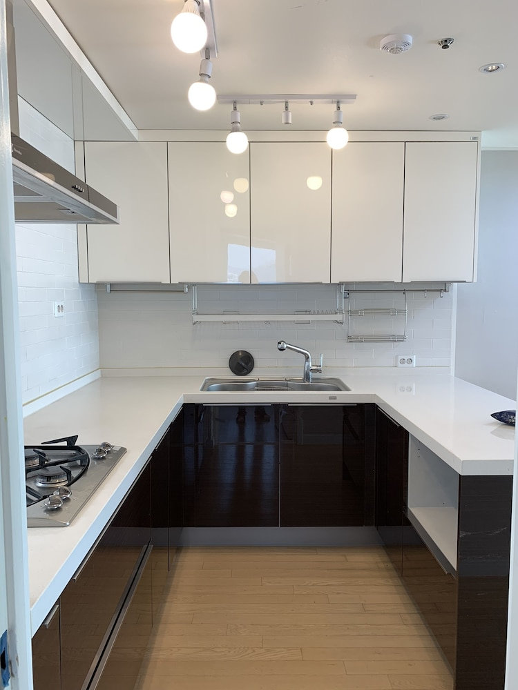 Featured Image, Apratment Rent for 2month