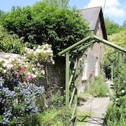 Pretty Period Cottage With Garden, Within Easy Reach of all Dorset and the Coast
