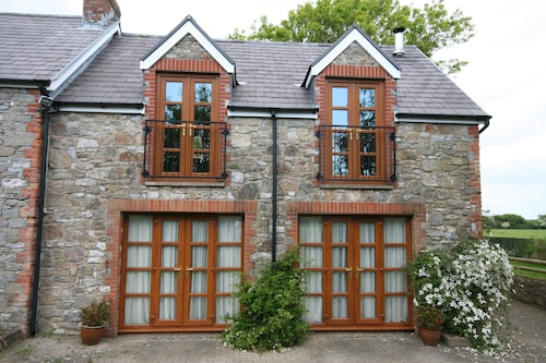 Beautiful 5 Bed, 5 Luxury Cottage in a Secluded Location