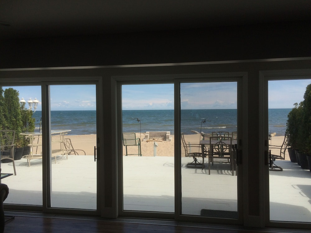 , Beachfront Home On Lake Ontario W/60 ft Of Private Beach